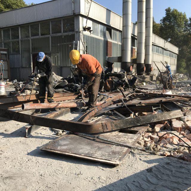ipari bontás, kézi bontás